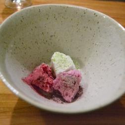 Sorbet sour apple: sour apple peel. Raspberry: freeze dried raspberry powder. concord grape: freeze dried grape powder.
